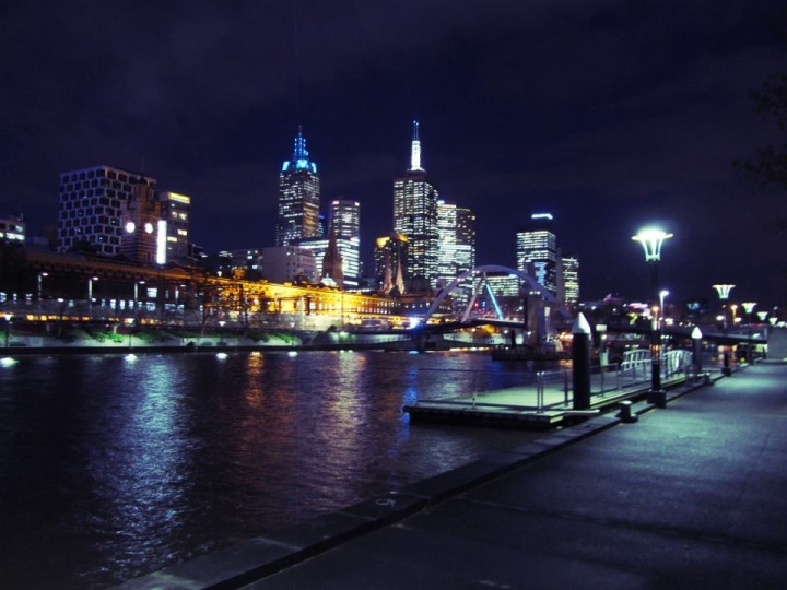 The fantastic Melbourne skyline taken from the Left Bank