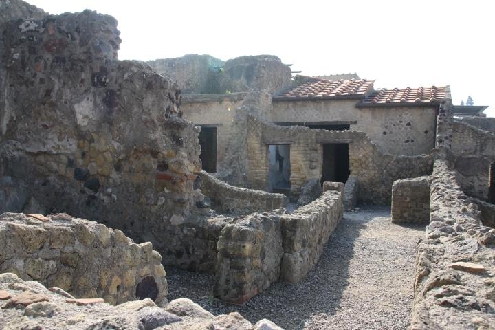 Italy: Herculaneum – Pompeii's pretty sister?