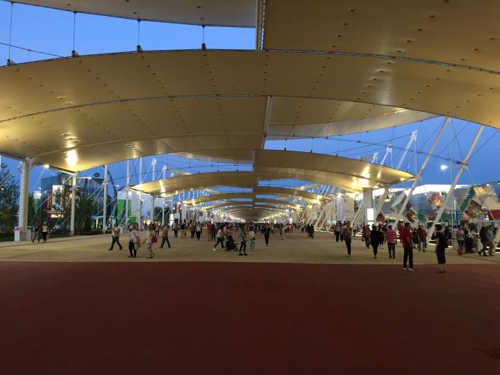 Main walkway Milano Expo 2015