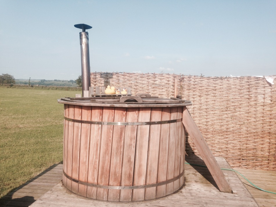 Hot tub at Secret Cloud House Holidays Glamping site