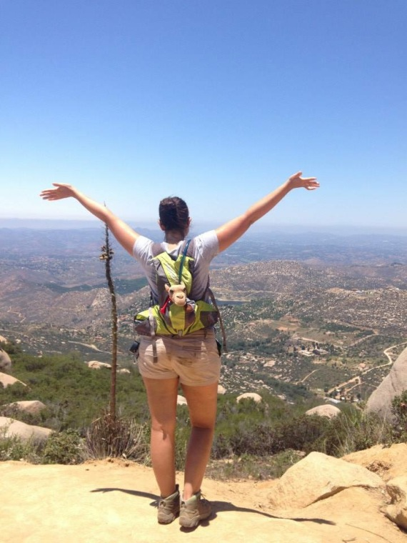 The Fearless Flashpacker (& Humps) hiking in San Diego