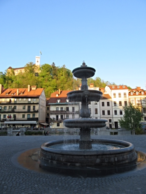 Our first site of Ljubljana - Fountain and Castle