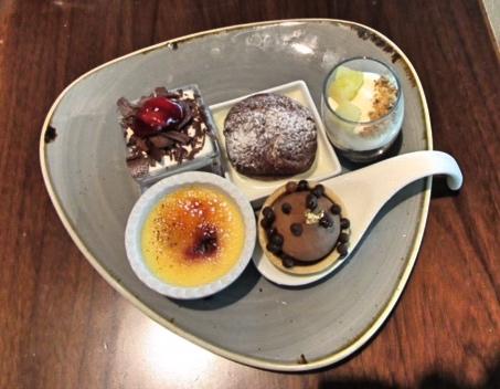 So many yummy deserts on offer at Friday Brunch, Dubai