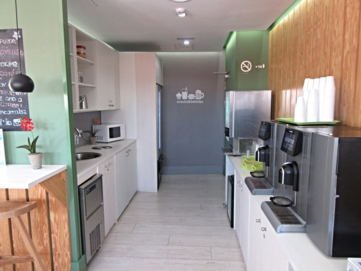 Coffee, juice and vending machines at Sidorme Hotel Fuencarral 52, Madrid