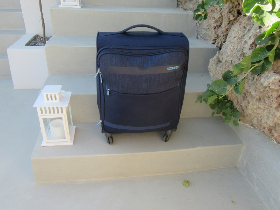 American Tourister Herolite Lifestyle Spinner Suitcase