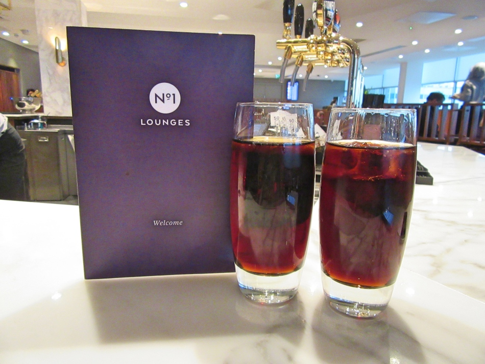 Drinks at No1 Airport Lounge at Gatwick South Terminal