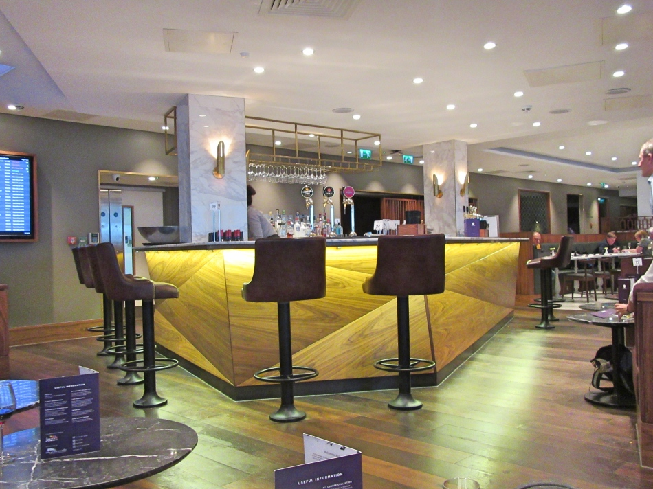 Bar in No1 Airport Lounge at Gatwick South Terminal