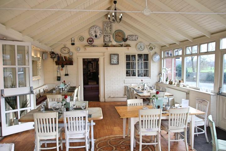 Breakfast Room at The Vicarage, Carnage, Cheshire, England