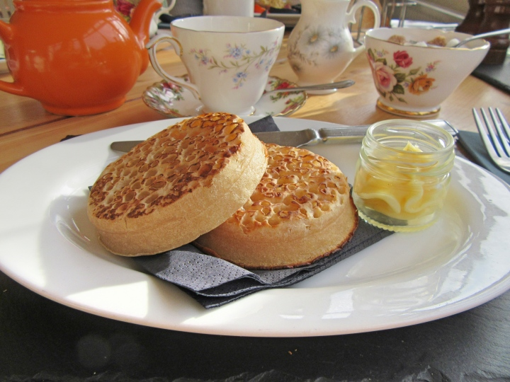 Breakfast at The Vicarage, Cranage, Cheshire, England