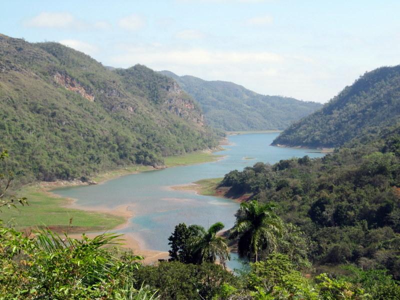 Hanabanilla Lake