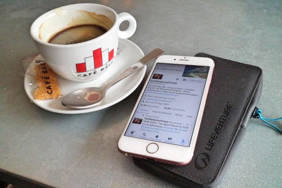 Lifeventure Phone Wallet