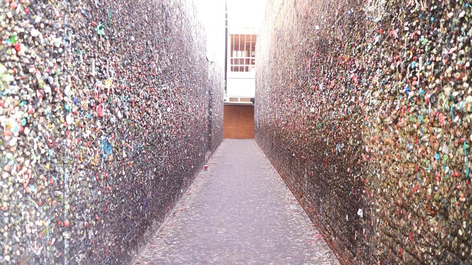 Bubblegum Alley, California