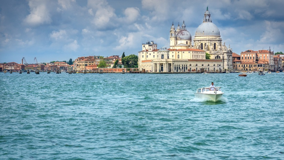 Get away from hustle & bustle, Venice