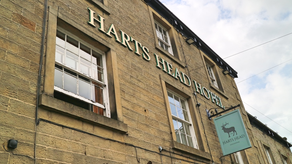 Hart's Head Sign, Giggleswick