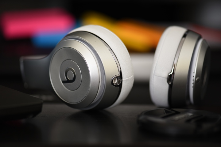 Beats Headphones Travel Tech