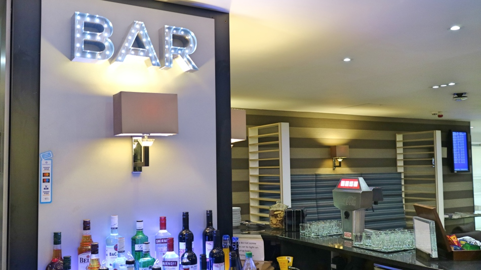 Bar at Aspire Lounge T1 Manchester Airport