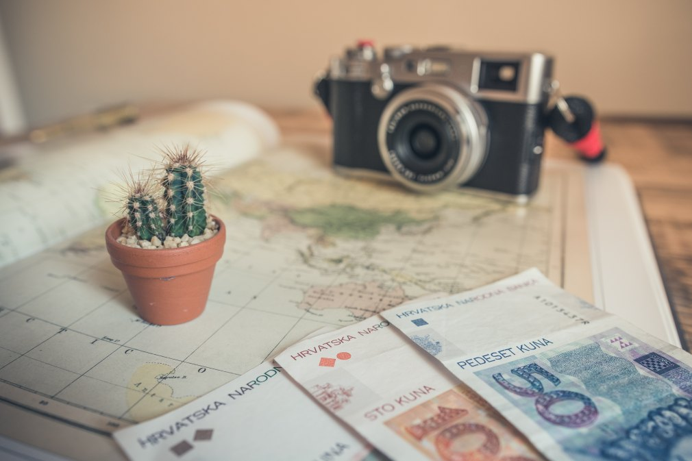 Making Money Whilst Travelling - Side Hustle
