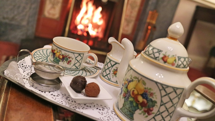 Ees Wyke Tea By The Fire