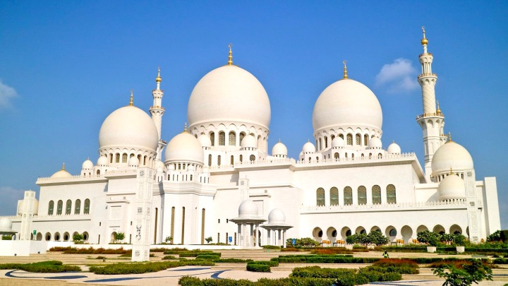 UAE: Visiting The Sheikh Zayed Grand Mosque, Abu Dhabi
