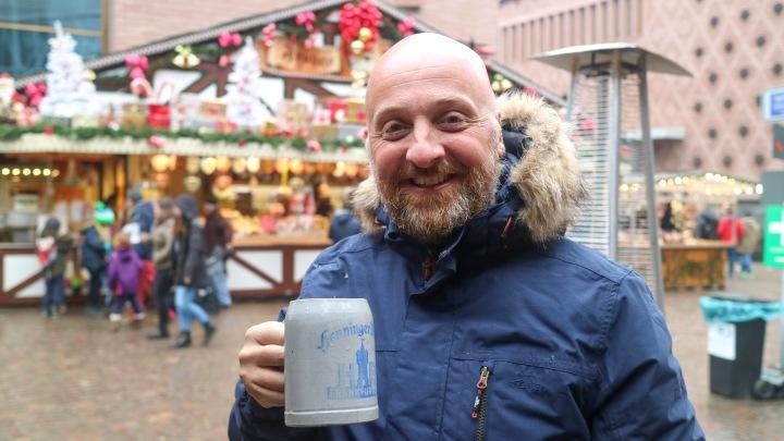 Mr ESLT and Beer at Frankfurt Christmas Market
