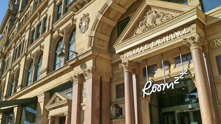 Roomzzz Manchester Corn Exchange Exterior
